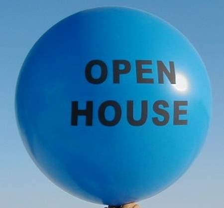 """R350-13-W Ø~120cm Riesenwerbeluftballon, Ballonfarbe nach Angabe mit 1seitigem individuellen 3C Aufdruck in Siebdrucktechnik """" nicht passgenau"""" , Ballonstutzen unten."""