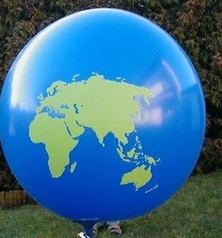 Weltkugel WEK01 auf Ø33cm/55cm/80cm/100cm/120cm/165cm/210cm Riesen-Motivluftballon mit Weltkontinente Europa-Asien-Amerika Aufdruck in grün, 2seitig 1farbig unterschiedlich bedruckt, BallonStutzen unten.